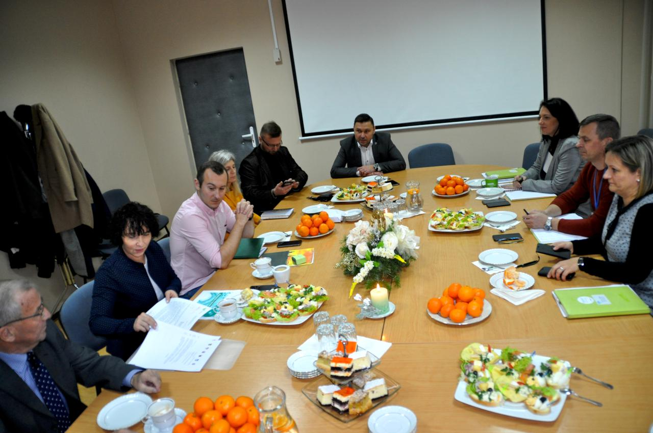 W Słubicach włodarze dyskutowali o pakiecie dla średnich miast