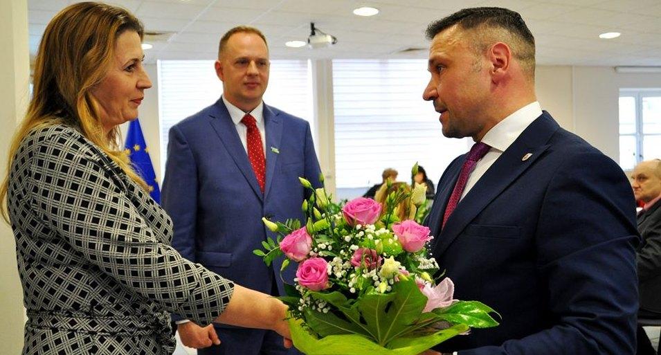 Radni i burmistrz pogratulowali sukcesu słubickim bibliotekarzom