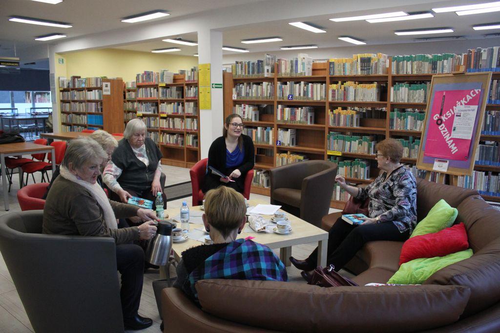 """Styczeń w bibliotece ze """" Wstydem"""" Igi Zakrzewskiej-Morawek"""