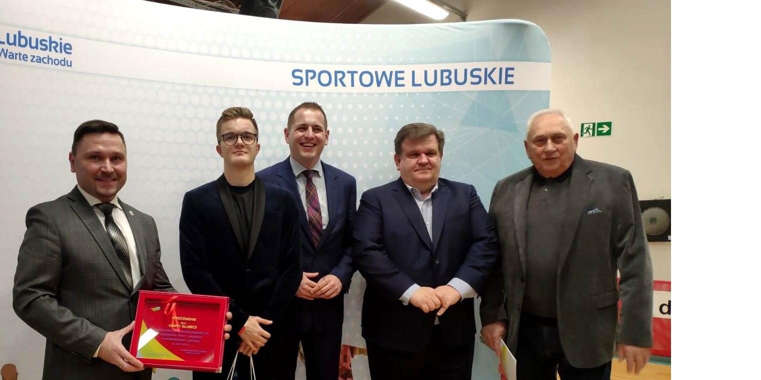 Jakub Czak ze stypendium marszałka województwa. Wyróżnienie dostała też gmina!