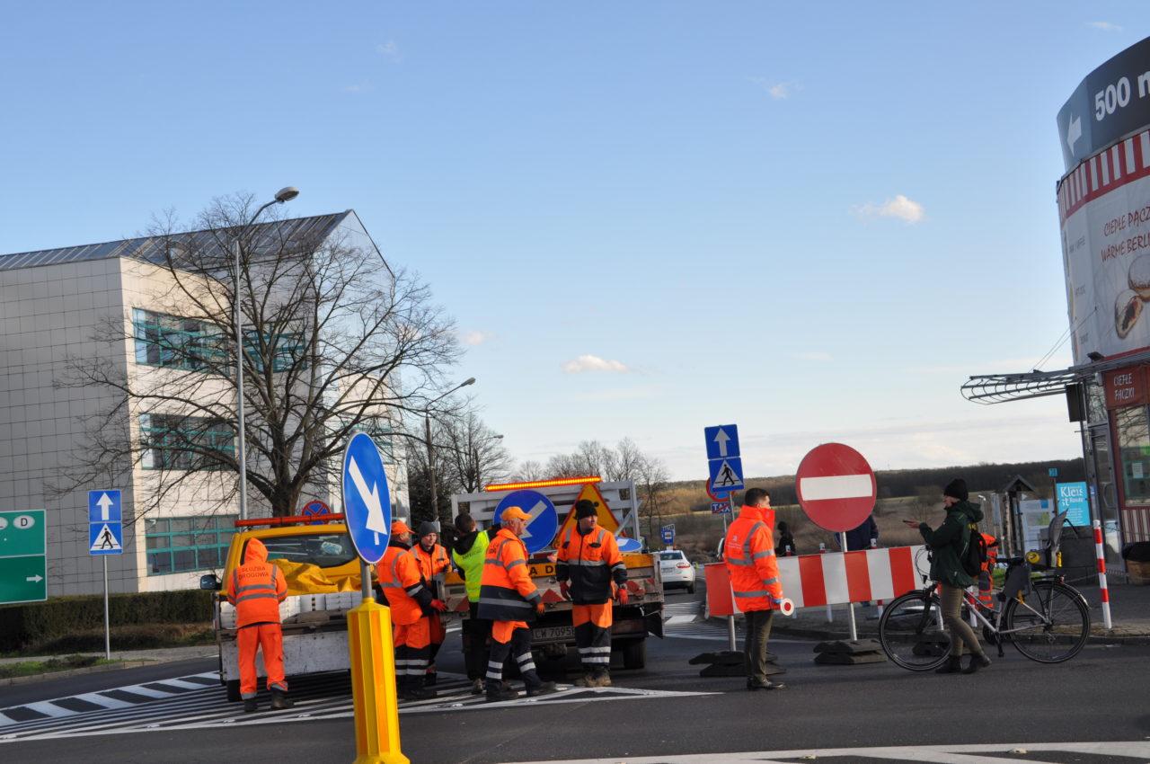 W Słubicach wprowadzono kontrole sanitarne. Zamknięto ul. 1 Maja