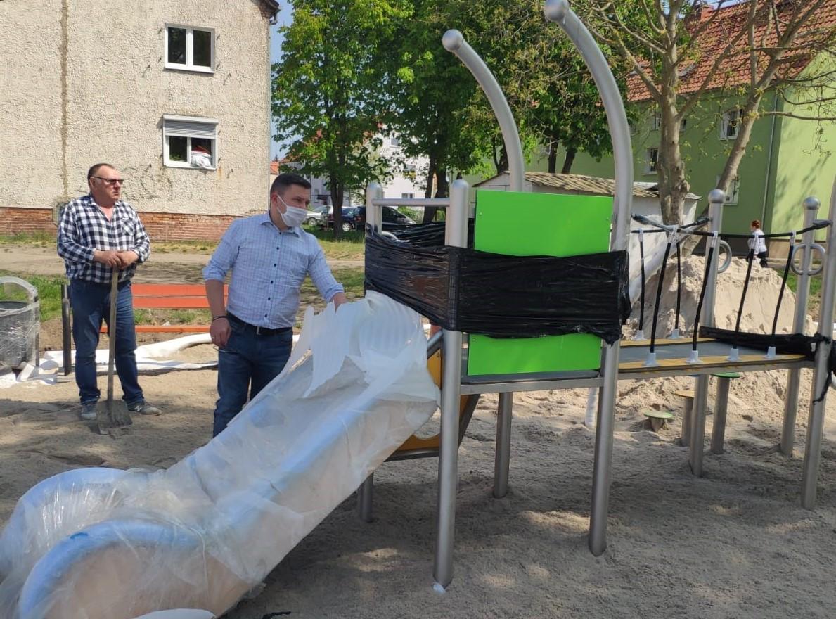 Tego placu zabaw dzieci z ul. Konstytucji 3 Maja nie mogą się już doczekać!