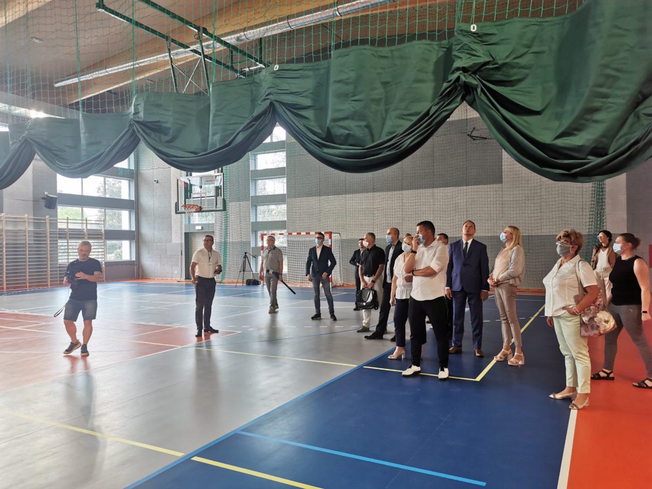 Hala sportowa przy Szkole Podstawowej nr 2 gotowa na pierwsze lekcje z wychowania fizycznego!