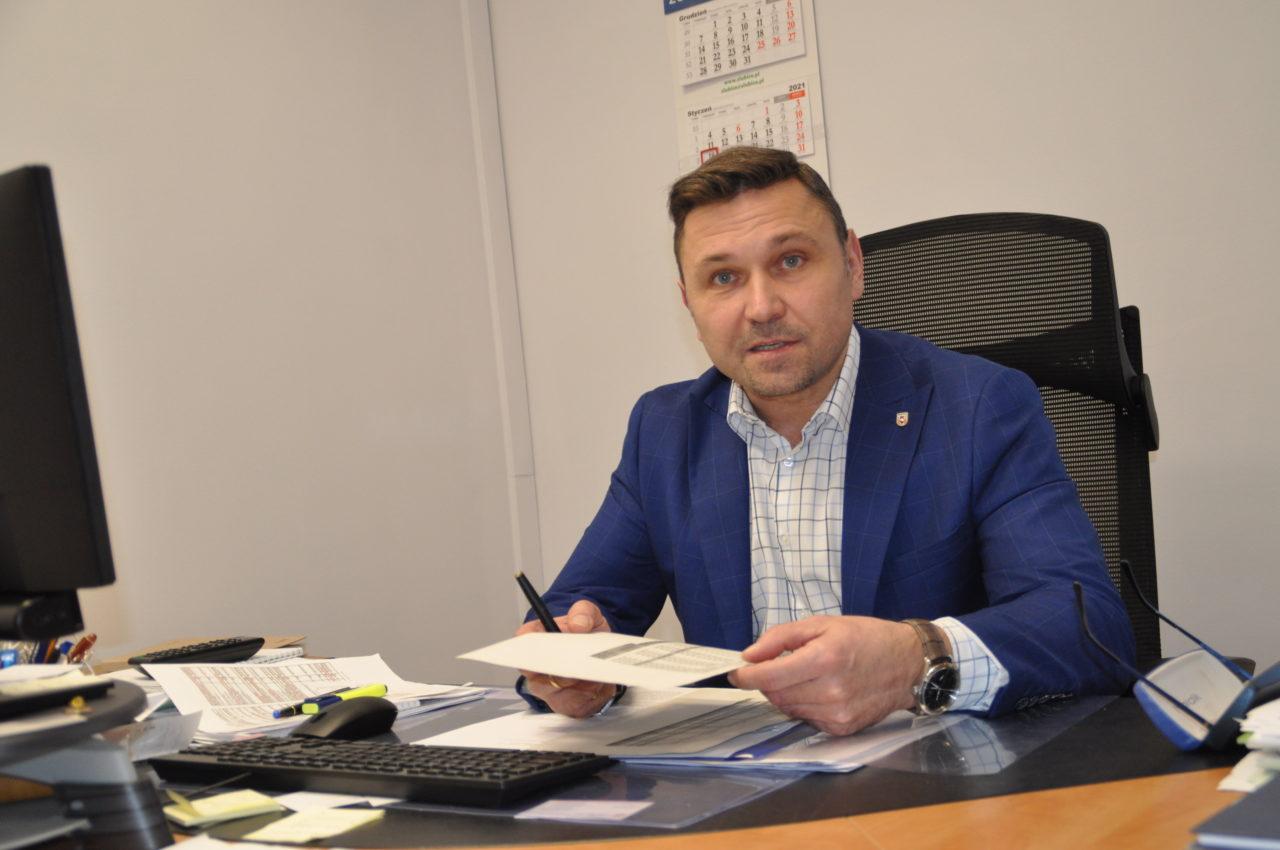Burmistrz Mariusz Olejniczak odpowiada na kłamstwa w sprawie bazarów